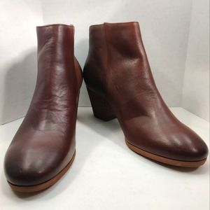 CROWN VINTAGE Leather Brown Ankle Booties Side Zip Closure Round Toe Low Heel 9M